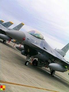 戦闘機 (横田基地)