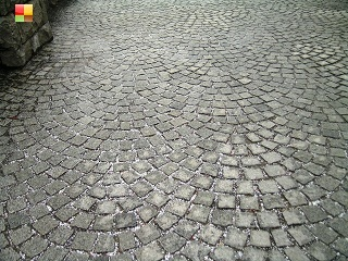 小樽運河脇の遊歩道の石畳