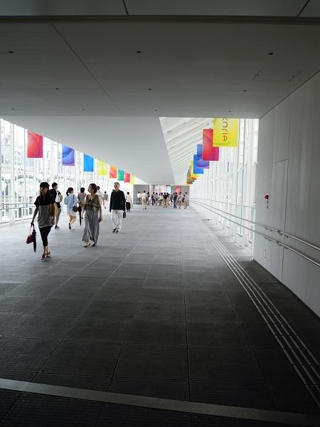 渋谷ヒカリエ入り口