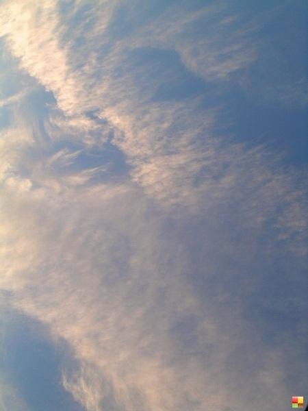 美しき秋の雲